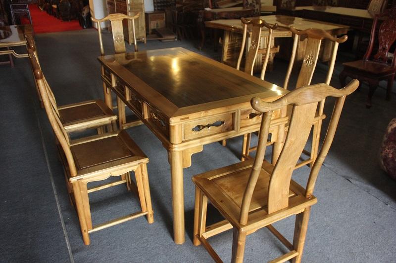 金丝楠木镶嵌金丝楠乌木独板家具圆包圆餐桌